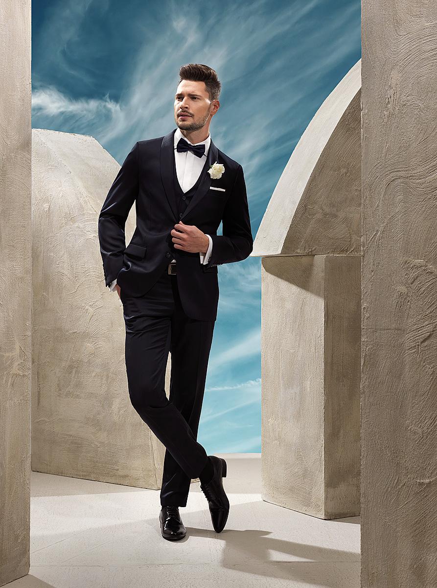 4094c4491c1fb Kobiety w ślubnych kreacjach czasami lubią poszaleć dodając ekstrawaganckie  dodatki, wprowadzając kolor. Czy Panowie również chcą w tym szczególnym  dniu w ...